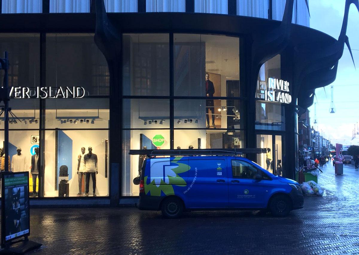 Start schoonmaak River Island winkels Nederland